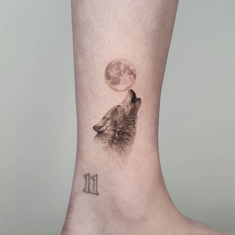 wolf and moon tattoo
