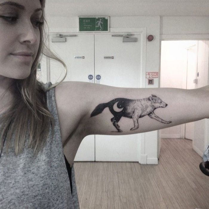 wolf tattoo for women (3)
