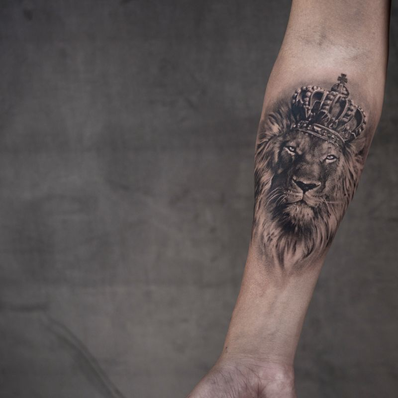 black & gray realistic tattoo