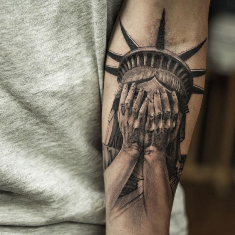 Statue Of Liberty Tattoo Hyper Realistic Tattoo Done By Niki