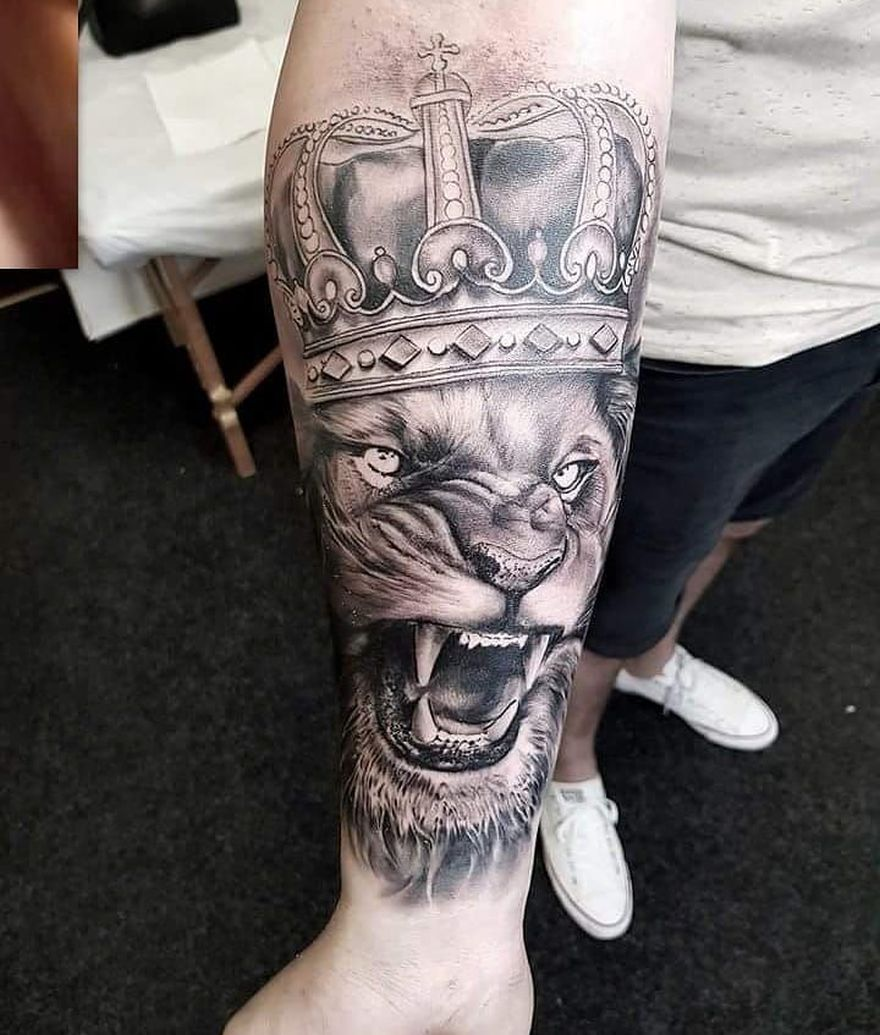 black & white lion tattoo