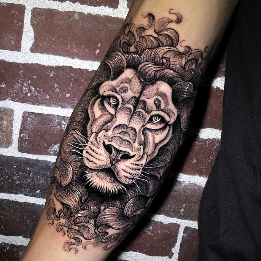 creative lion tattoos