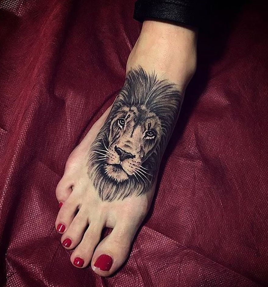 leg lion tattoo