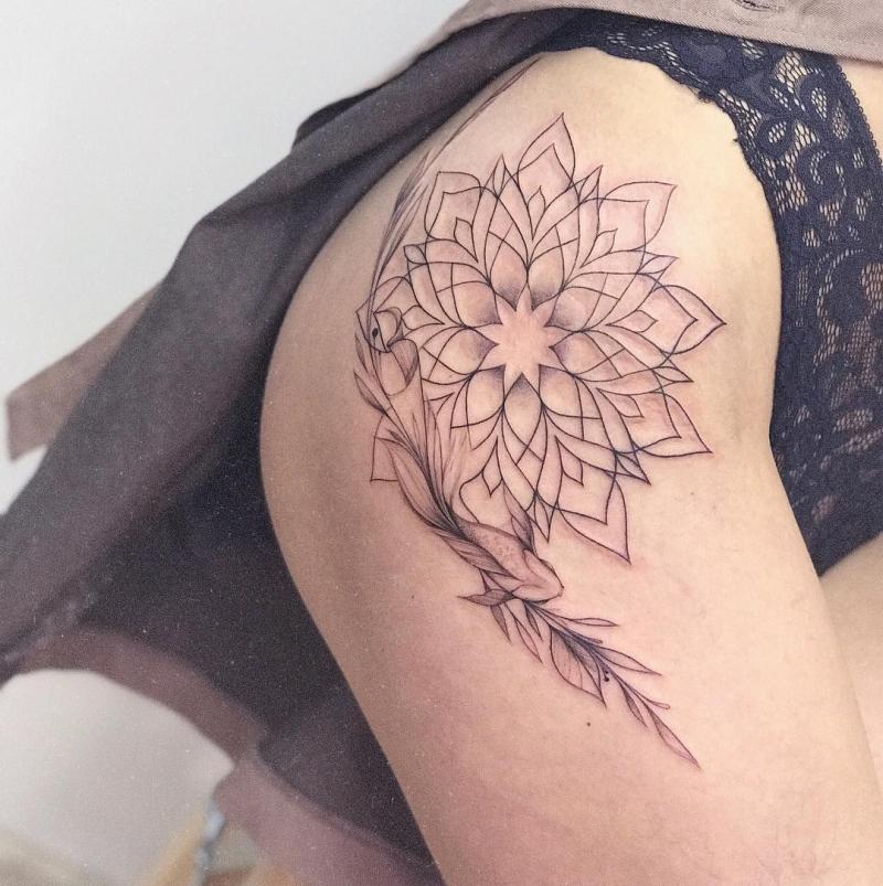 cool hip tattoos